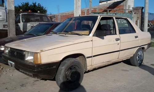 Renault 9 8559